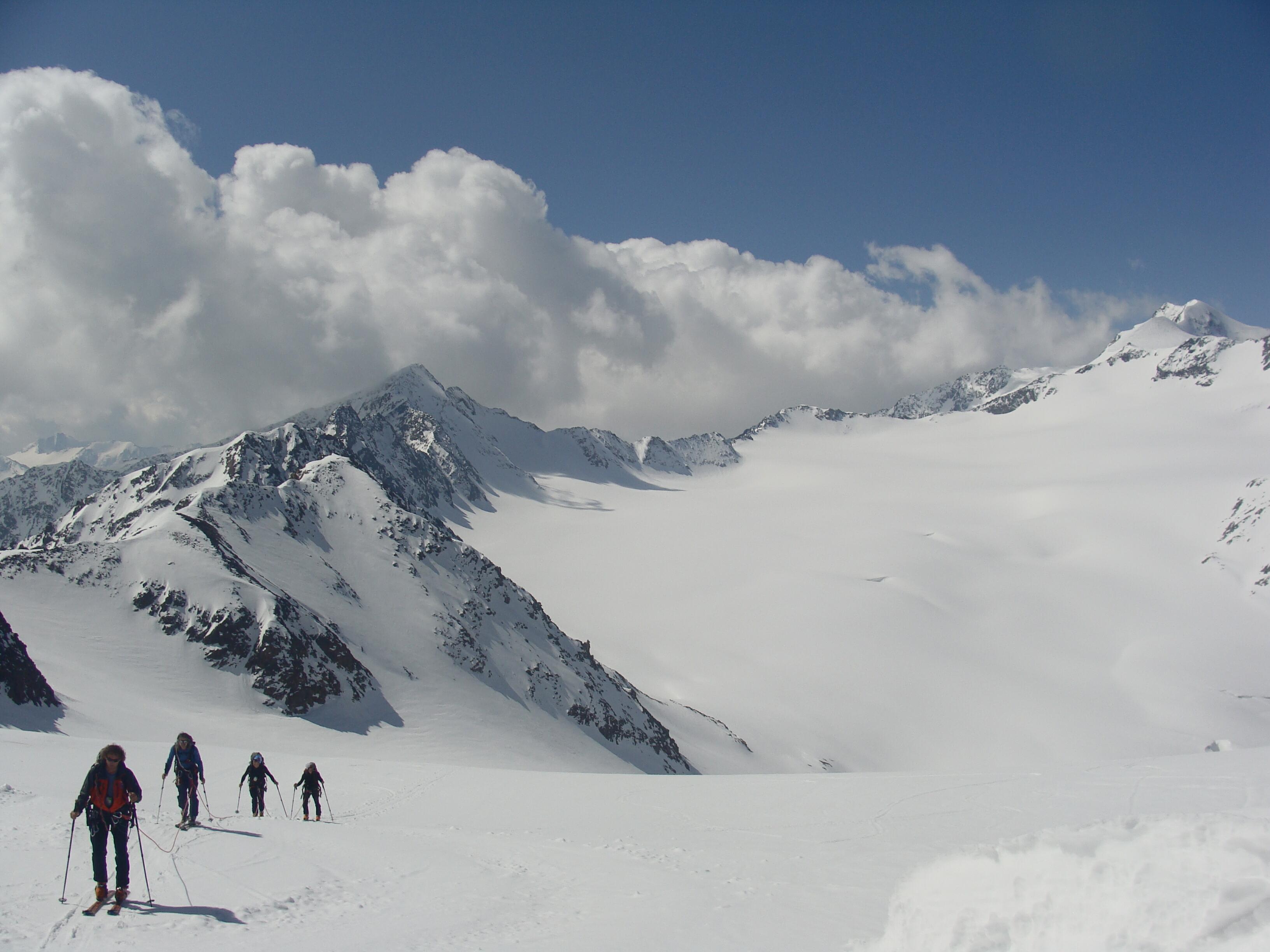 v pozadí Wildspitze